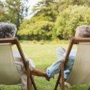 대화 주제가 대부분 자녀·손주인 부부, 은퇴 후가 위험