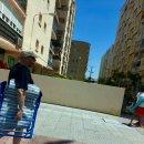 돗자리? 타올? 스페인 해변에서 인기 있는 물건은?